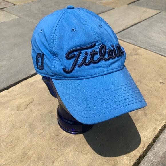Titleist Pro V1 Blue Hat Wicking